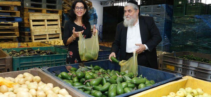 רונית תירוש: למדינת ישראל מאוד נח מהפעילות של חסדי נעמי